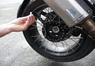 How to install puncture prevention sealant